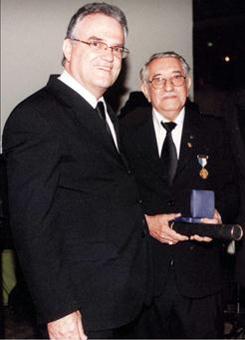 Fig. 40 - José Barbosa Machado, por ocasião do recebimento da Medalha dos 50 anos de vida maçônica. Fonte: Foto cedida pela família.